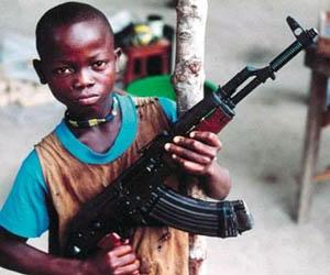 Al menos 17 países aún reclutan a niños soldados